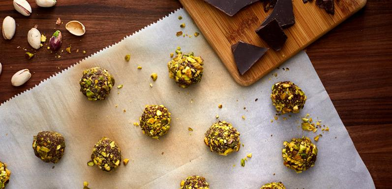 Dark Chocolate Truffles with Coconut Oil